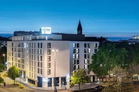 Niu Cobbles hotel2