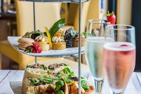 Prosecco, lunch, High Tea